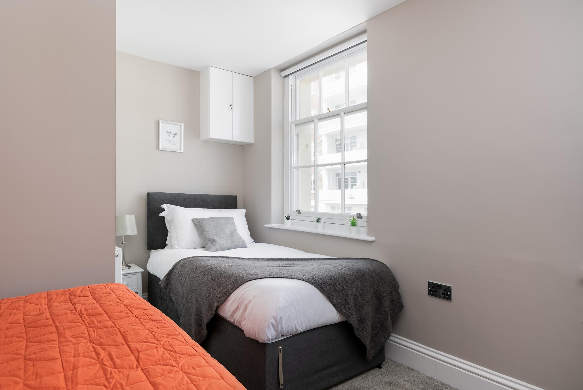 Single bed at Western Road Apartments, Centre, Brighton - Citybase Apartments