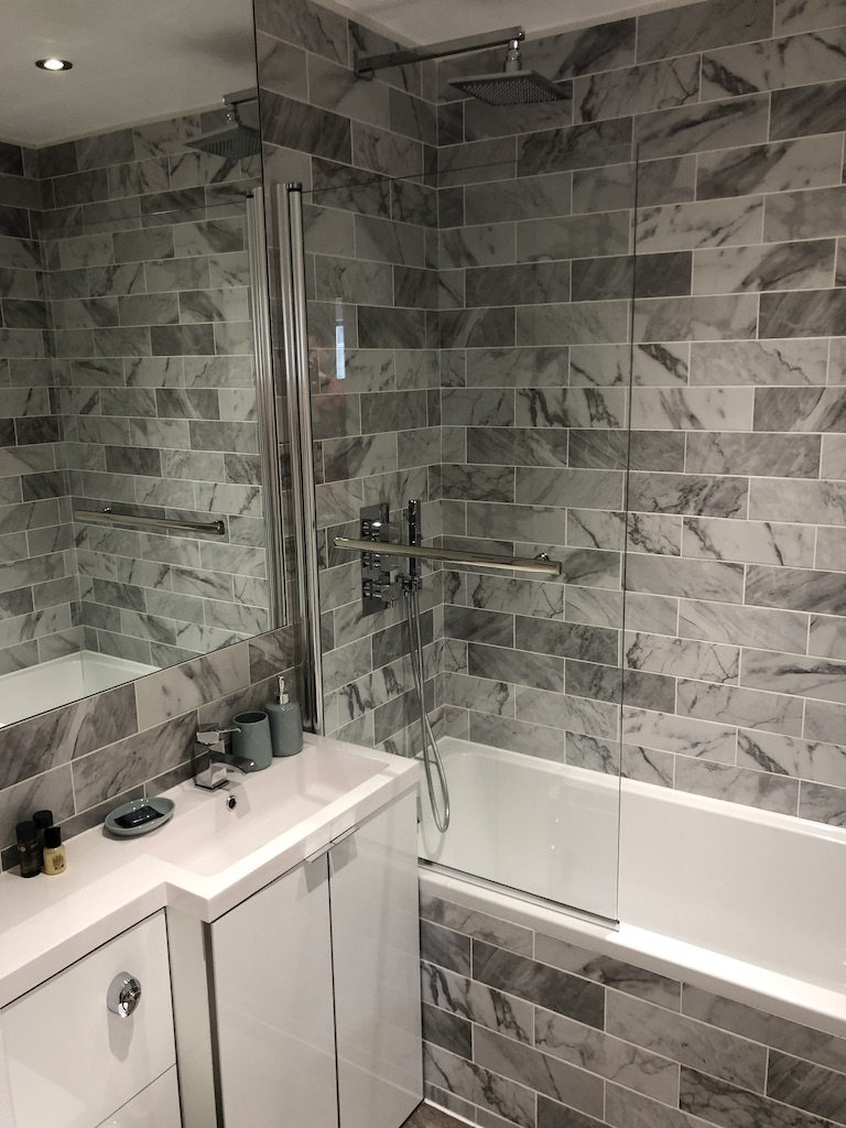 Shower at Reading Kings Lodge Apartments, Centre, Reading - Citybase Apartments