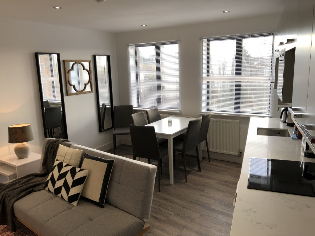 Dining area at Reading Kings Lodge Apartments, Centre, Reading - Citybase Apartments