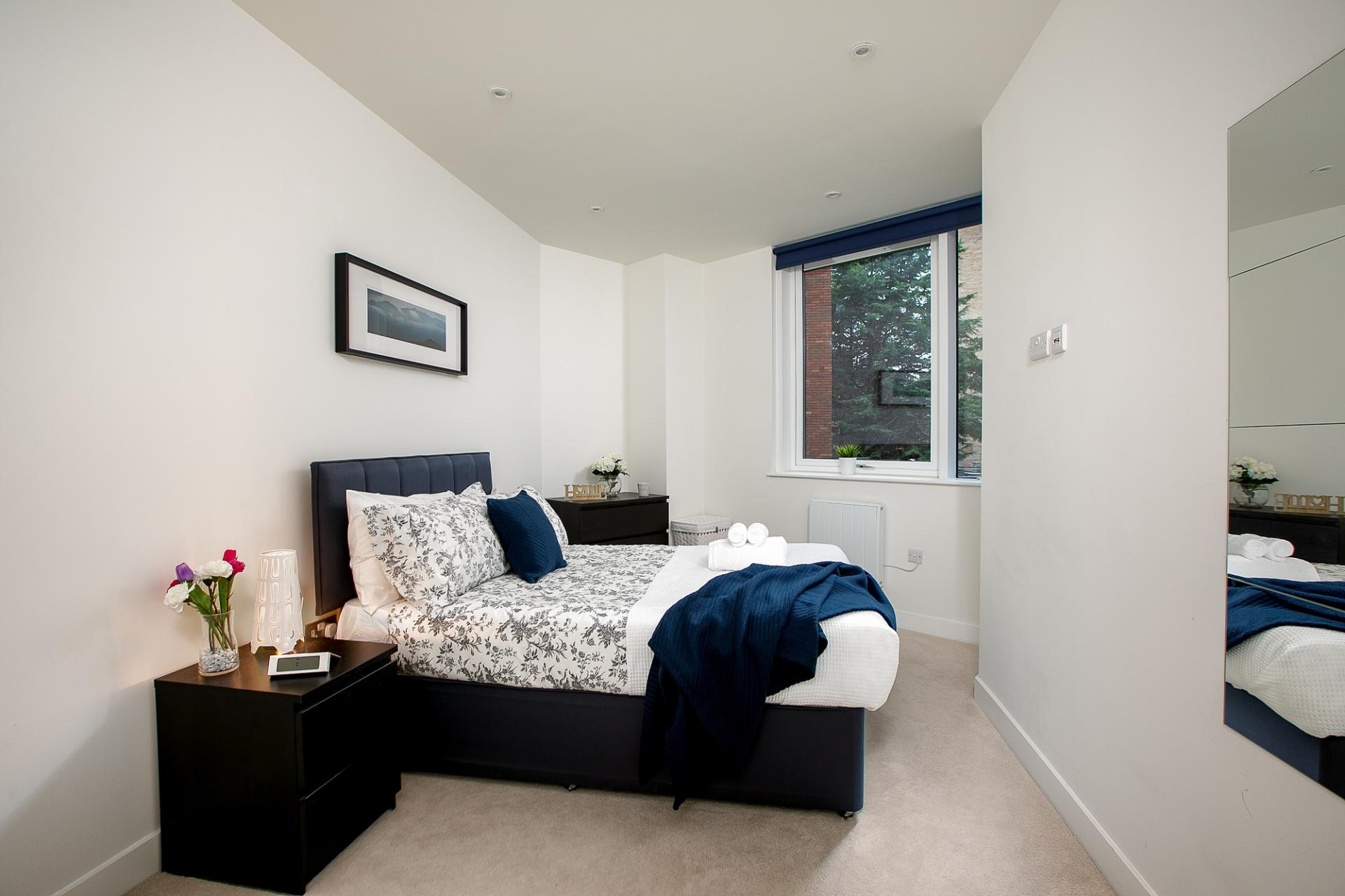 Bedroom at Kings Reach Apartment, Centre, Reading - Citybase Apartments