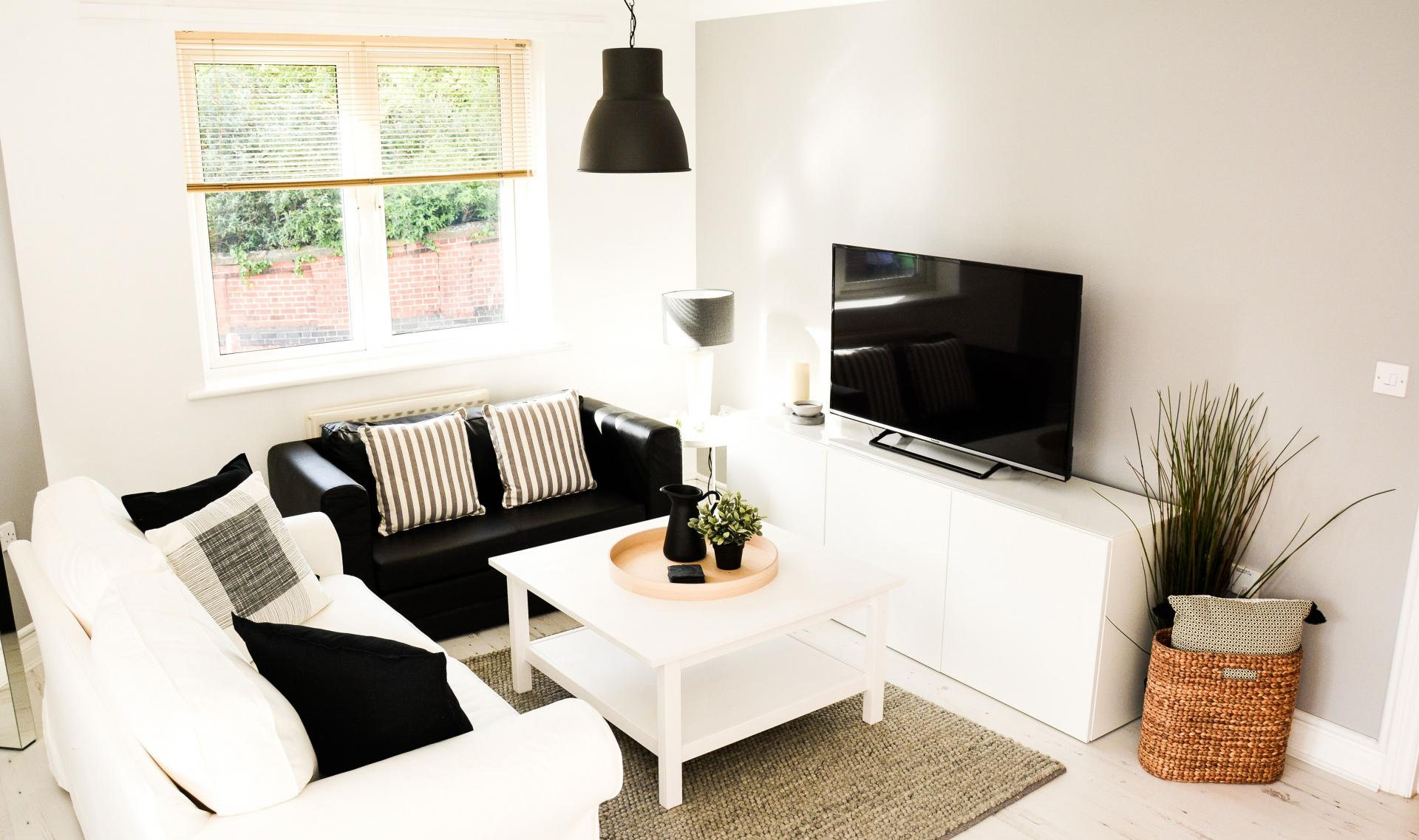 Lounge at Blakes Quay Apartment, Centre, Reading - Citybase Apartments