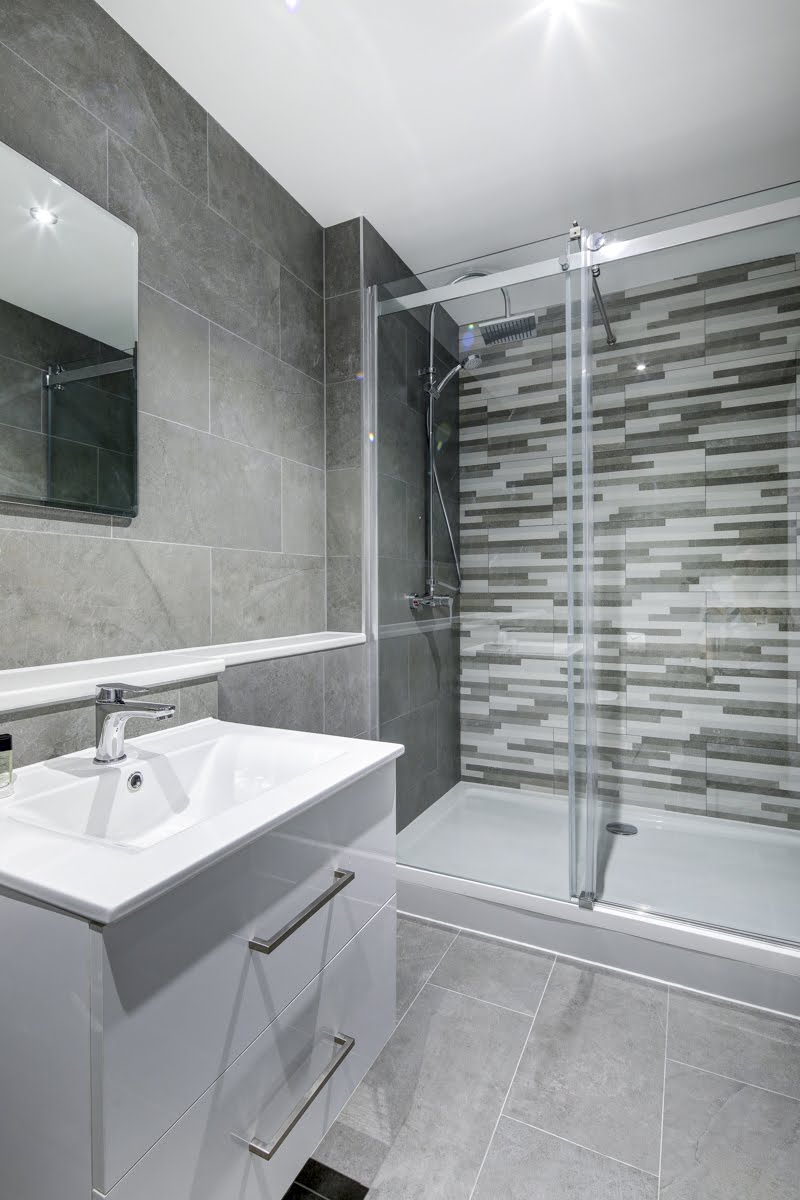 Grey bathroom at ExCel Dockside Apartments, Royal Docks, London - Citybase Apartments
