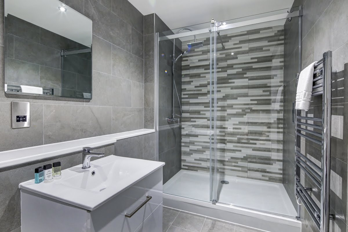 Bathroom at ExCel Dockside Apartments, Royal Docks, London - Citybase Apartments