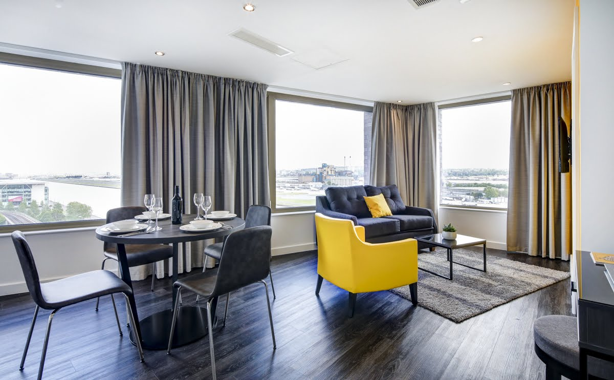 Tall windows at ExCel Dockside Apartments, Royal Docks, London - Citybase Apartments
