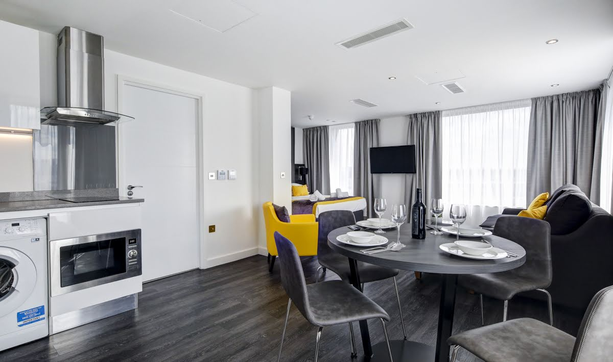 Dining table and chairs at ExCel Dockside Apartments, Royal Docks, London - Citybase Apartments