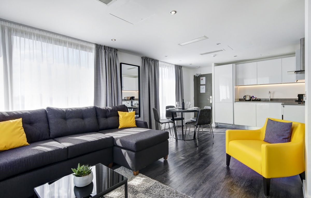 Spacious living area at ExCel Dockside Apartments, Royal Docks, London - Citybase Apartments