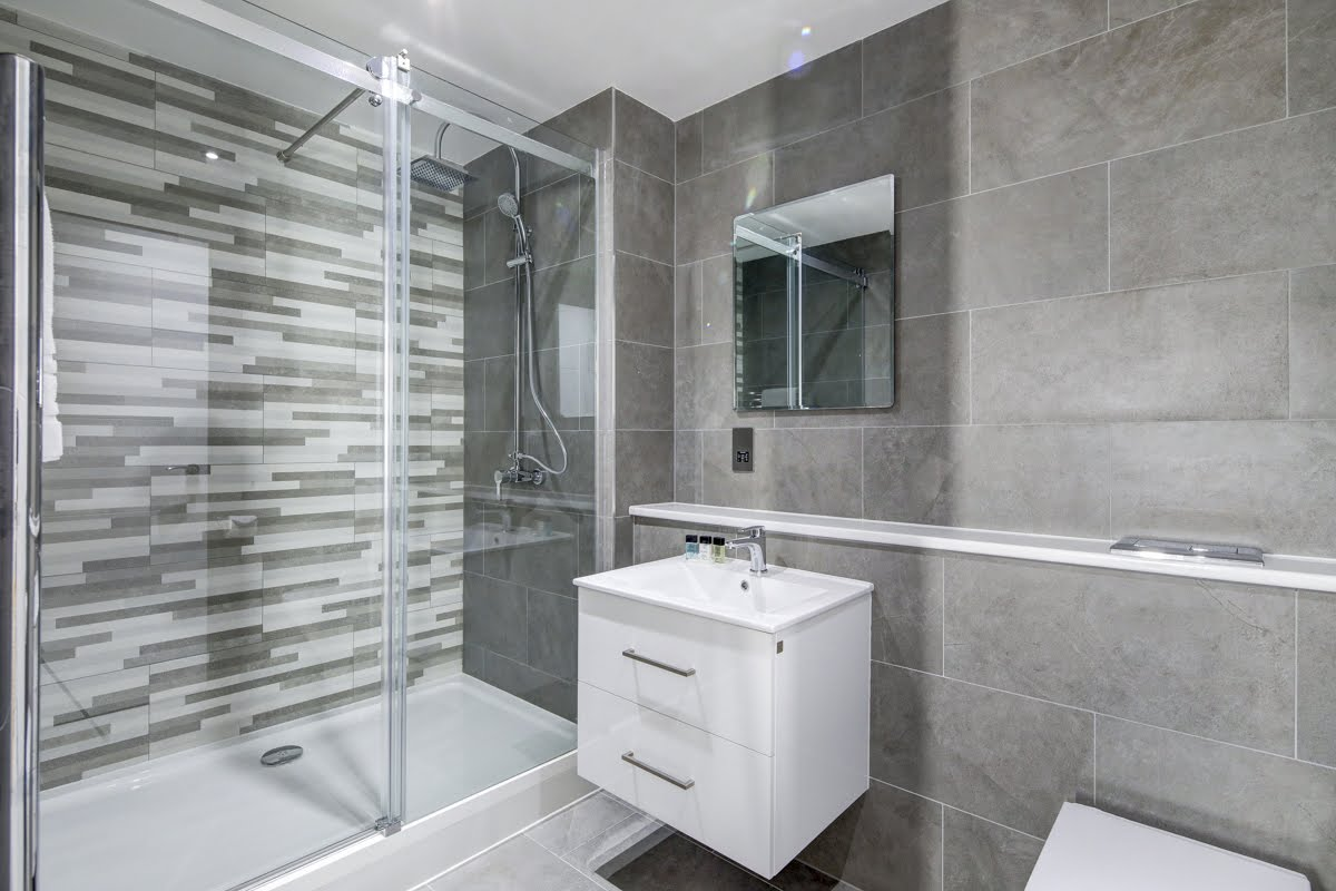 Modern bathroom at ExCel Dockside Apartments, Royal Docks, London - Citybase Apartments