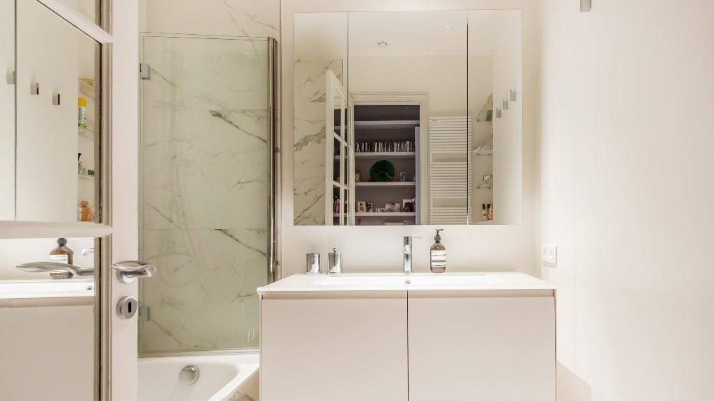 Bathroom at Four Saint Germain Apartments, Monnaie, Paris - Citybase Apartments