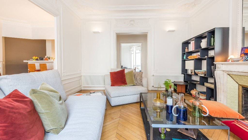 Book cases at Four Saint Germain Apartments, Monnaie, Paris - Citybase Apartments