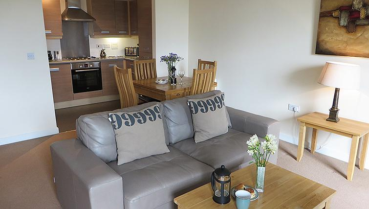 Traditional living area in Warren Close Apartments - Citybase Apartments