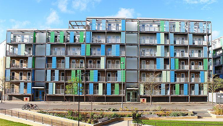 Exterior of Warren Close Apartments - Citybase Apartments