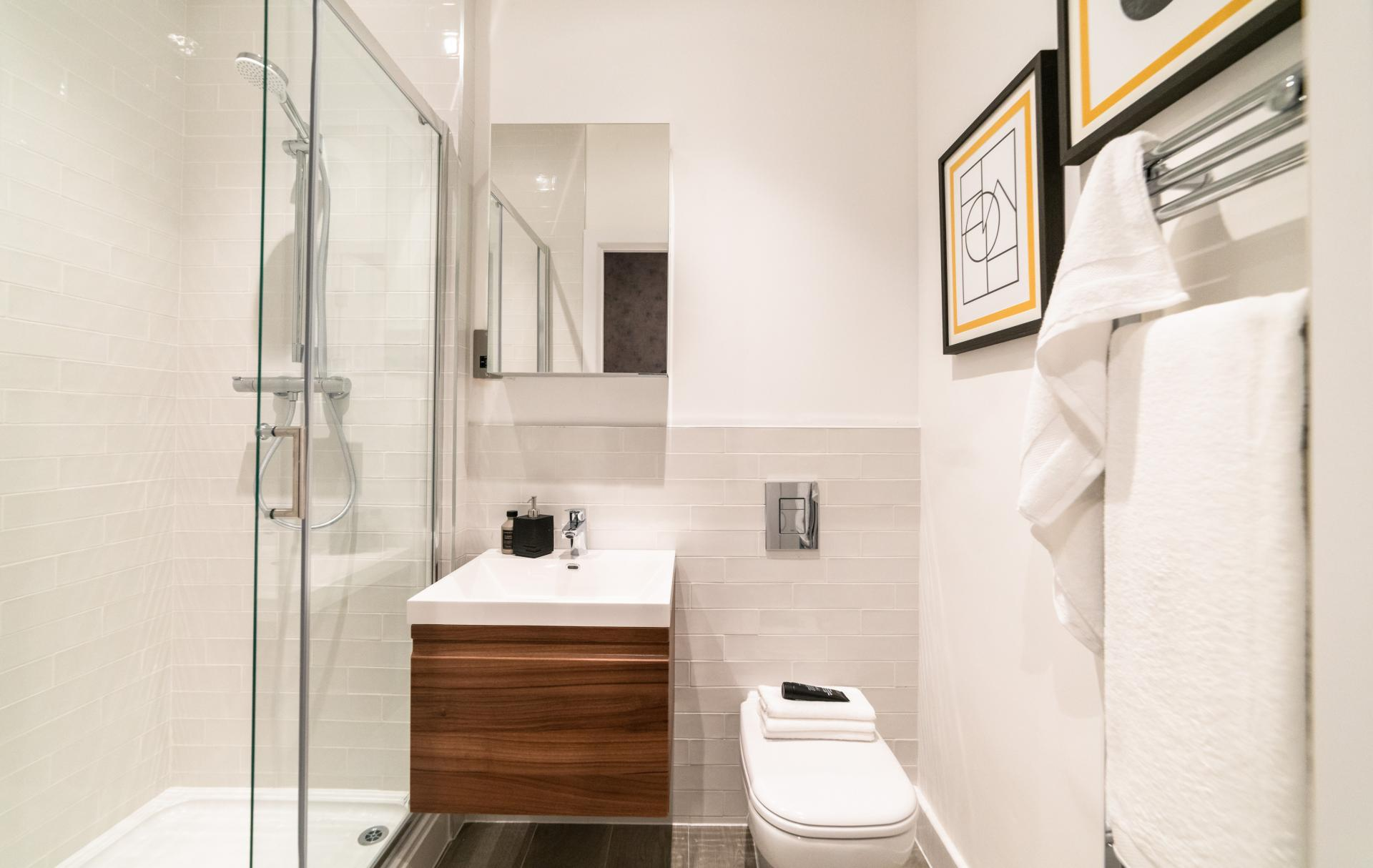 Bathroom at Assay Loft Apartments, Jewellery Quarter, Birmingham - Citybase Apartments