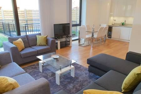Lounge at Elgin Avenue Apartments, Westbourne Green, London - Citybase Apartments