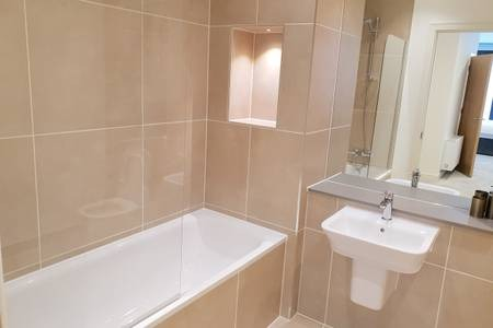 Bathroom at Elgin Avenue Apartments, Westbourne Green, London - Citybase Apartments