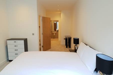 Cosy Bedroom at Elgin Avenue Apartments, Westbourne Green, London - Citybase Apartments