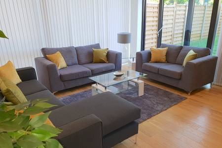 Living room at Elgin Avenue Apartments, Westbourne Green, London - Citybase Apartments