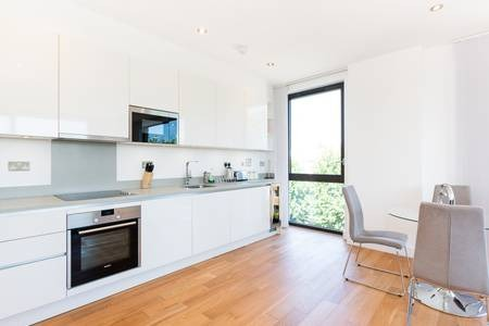 Oven at Elgin Avenue Apartments, Westbourne Green, London - Citybase Apartments