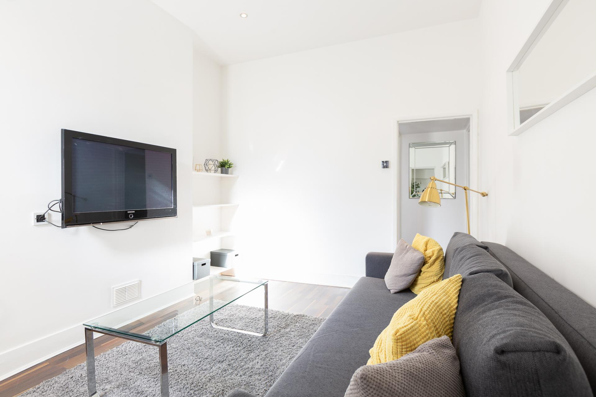 TV at ZO Notting Hill Apartments, Maida Vale, London - Citybase Apartments