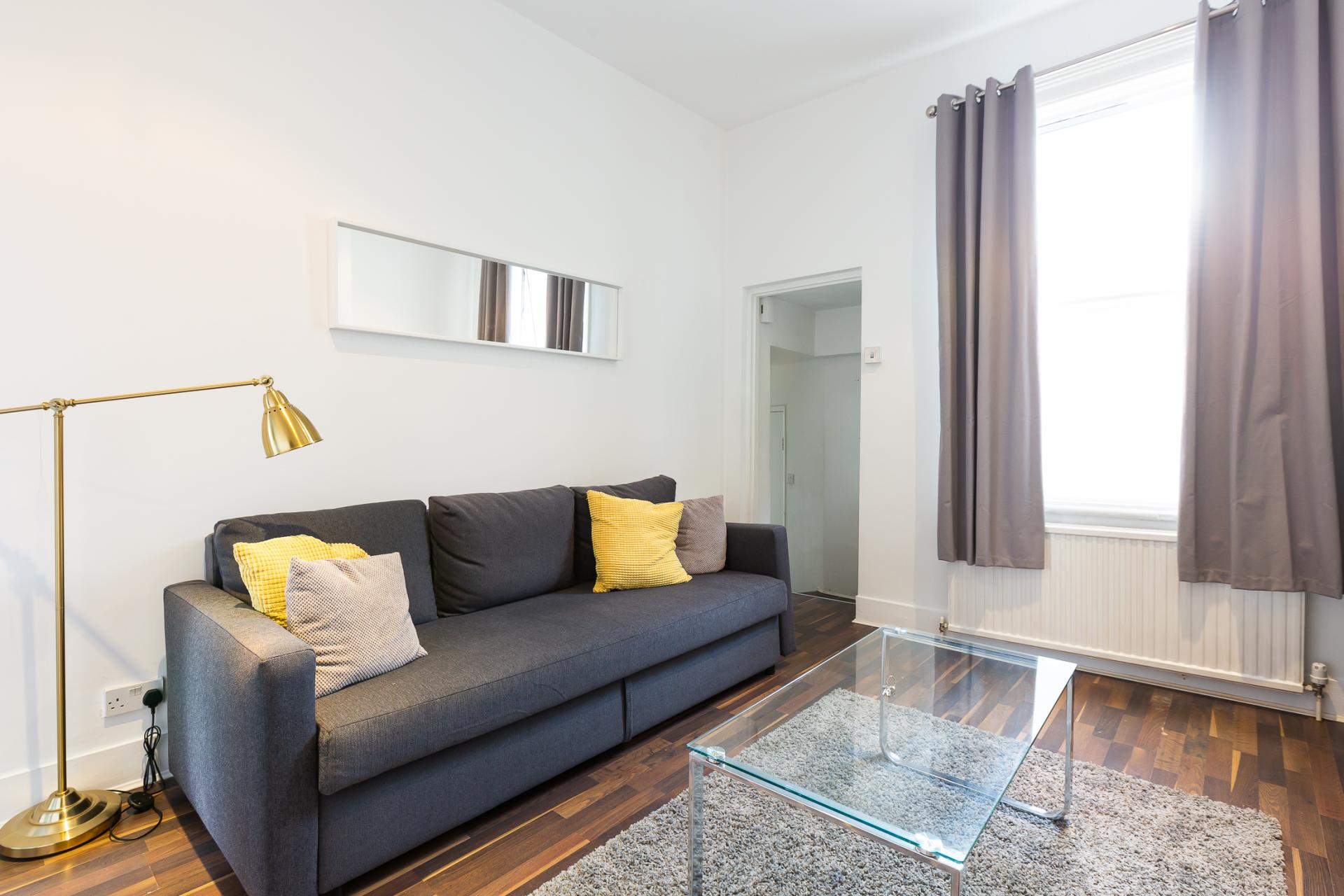 Living area at ZO Notting Hill Apartments, Maida Vale, London - Citybase Apartments