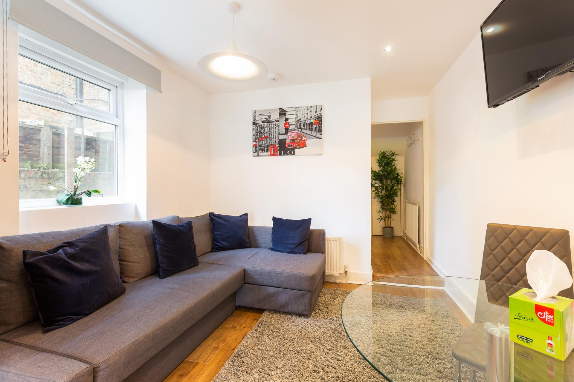 Sofa at ZO Notting Hill Apartments, Maida Vale, London - Citybase Apartments