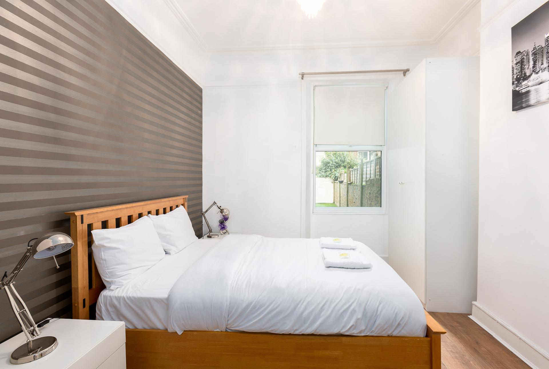 Bed at ZO Notting Hill Apartments, Maida Vale, London - Citybase Apartments