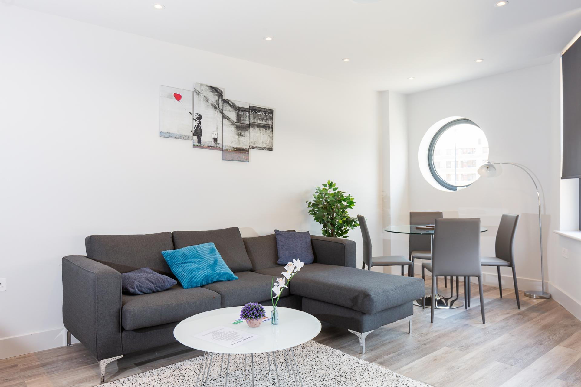 Living room at Fulham Serviced Apartments, Fulham, London - Citybase Apartments