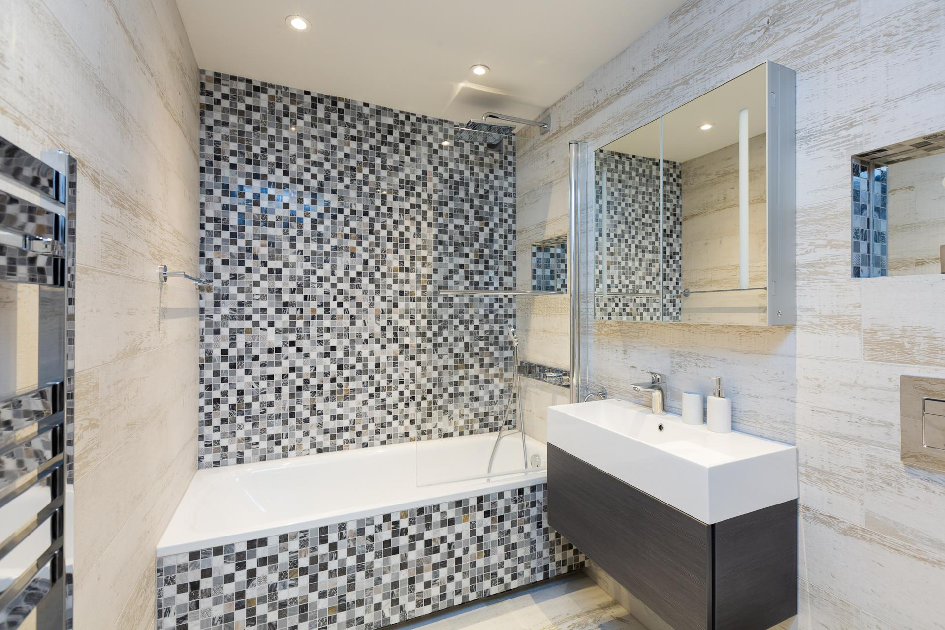 Bathroom at Fulham Serviced Apartments, Fulham, London - Citybase Apartments