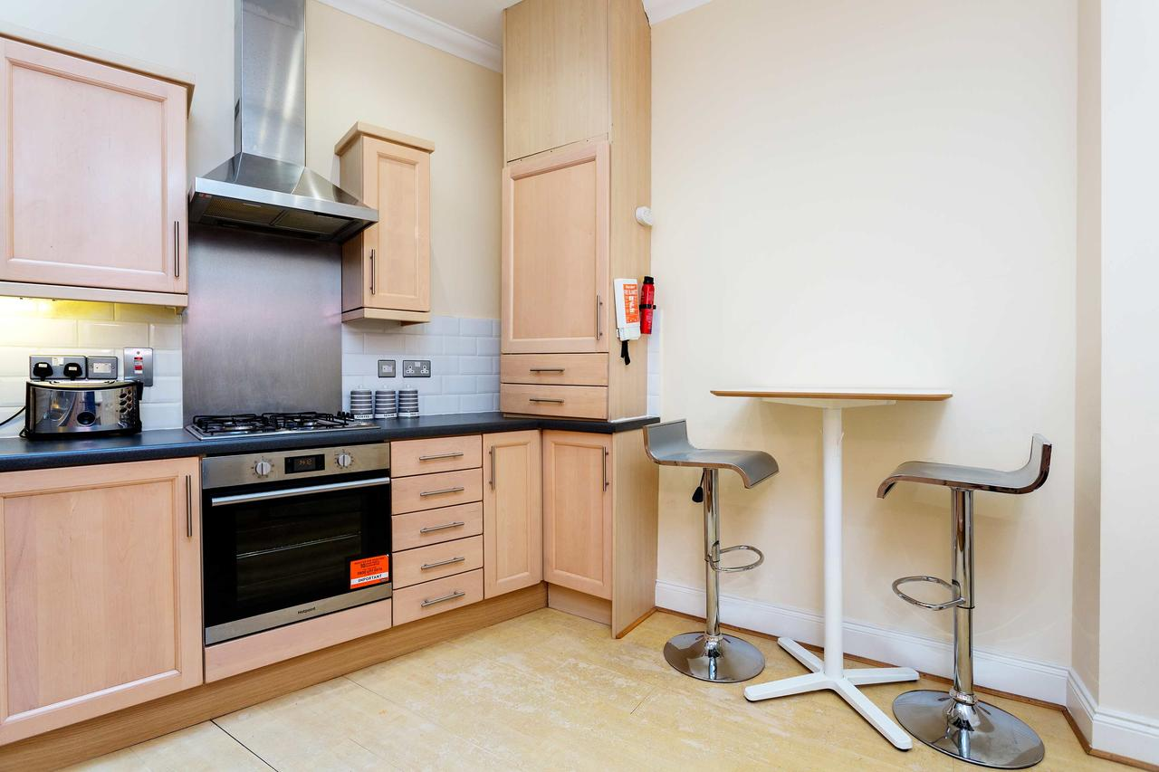 Oven at St Paul Apartments, City, London - Citybase Apartments