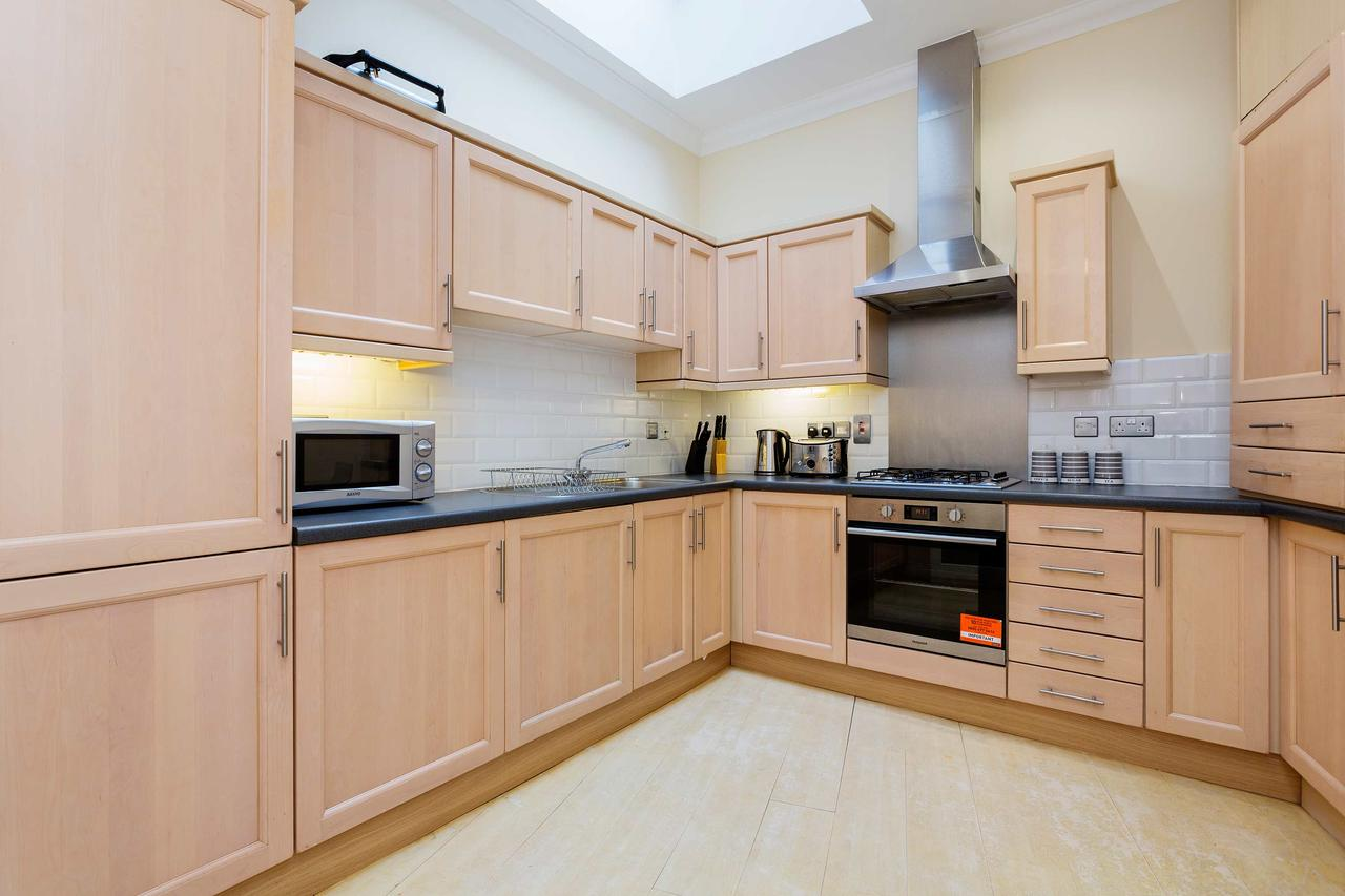 Kitchen at St Paul Apartments, City, London - Citybase Apartments