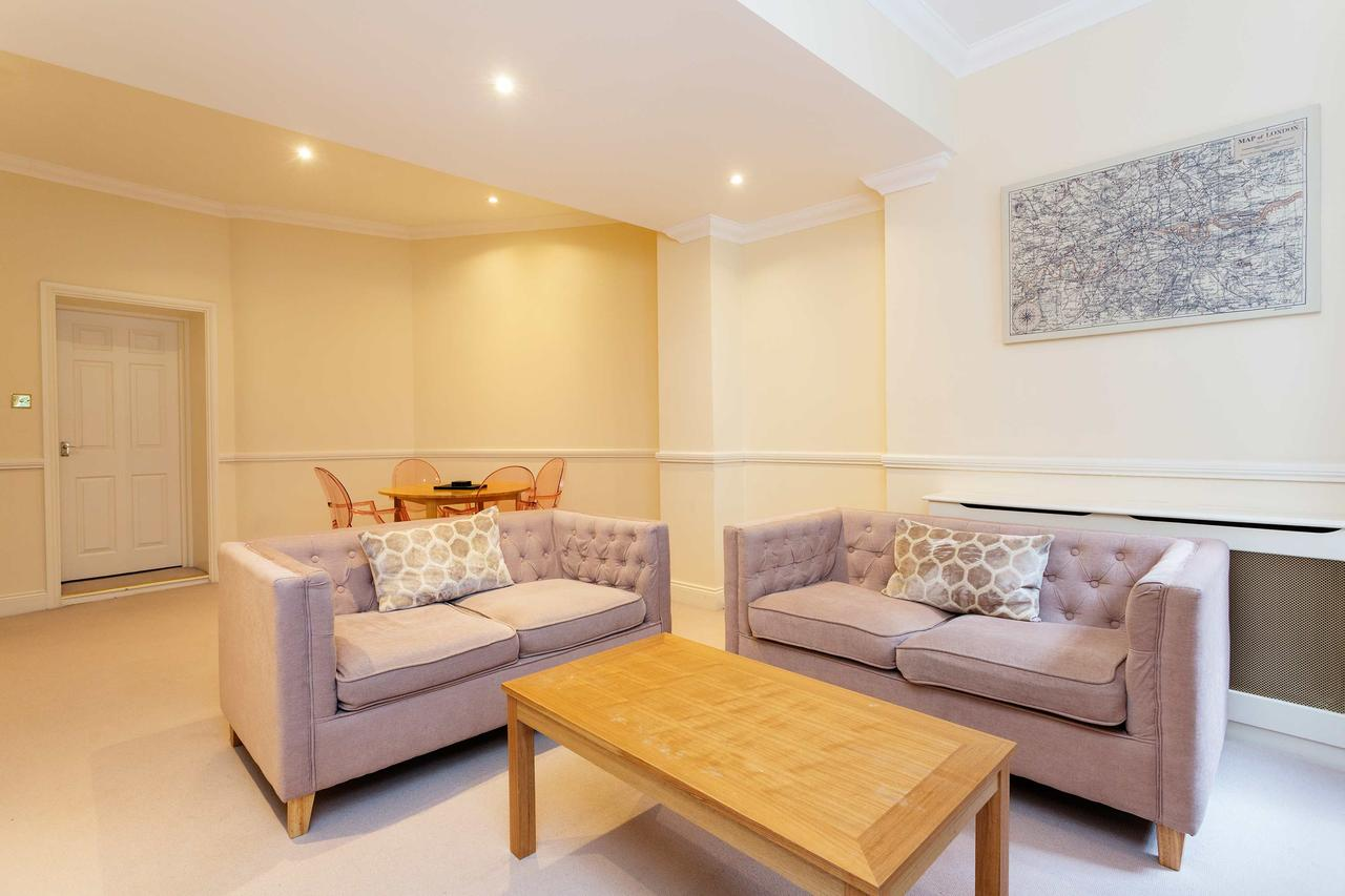Lounge at St Paul Apartments, City, London - Citybase Apartments