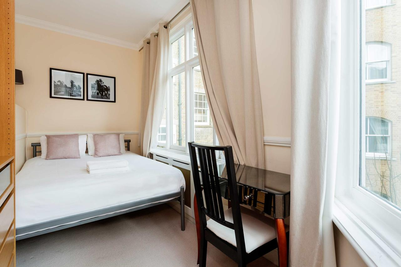 Bedroom at St Paul Apartments, City, London - Citybase Apartments