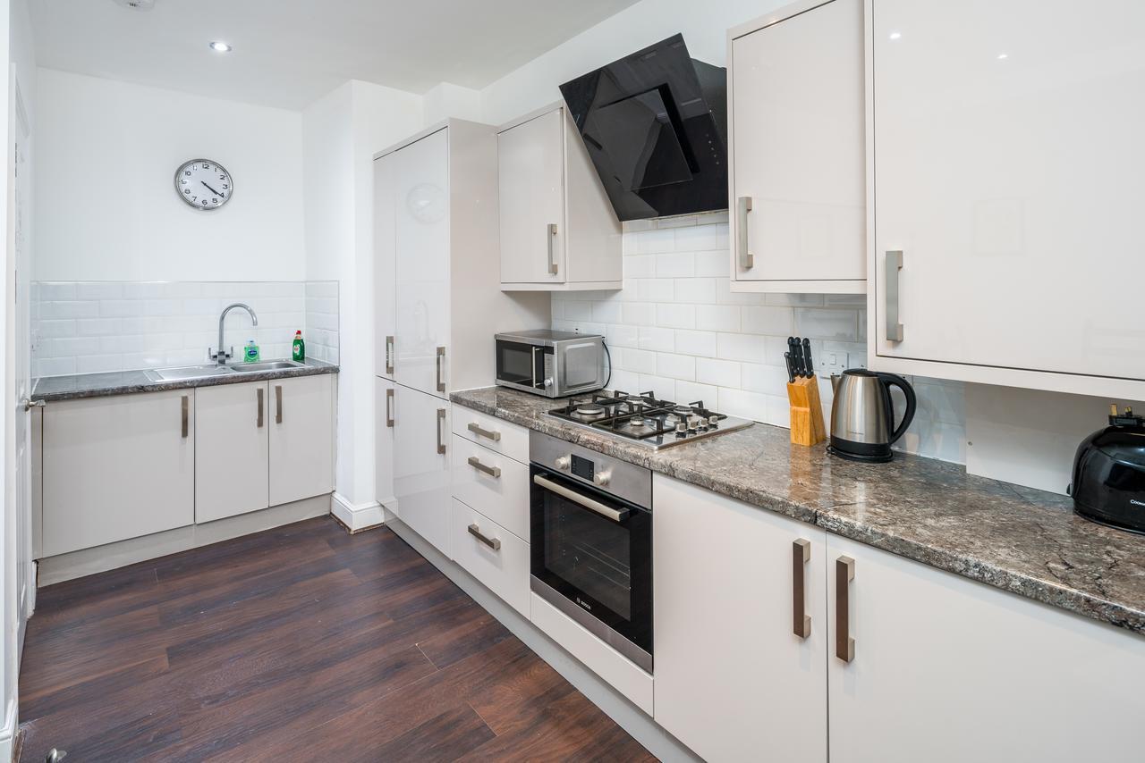 Kitchen at Shoreditch Serviced Apartments, Shoreditch, London - Citybase Apartments