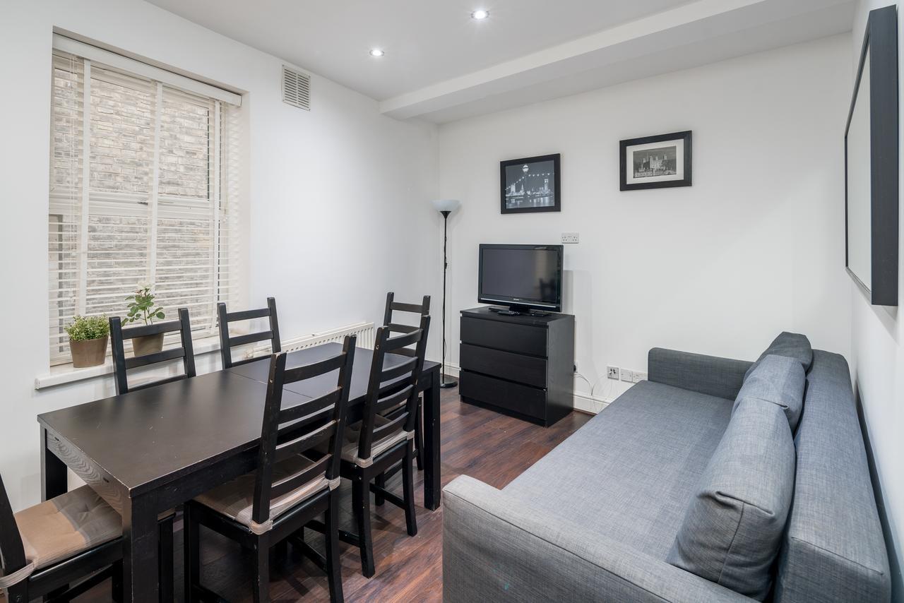 Living Room at Shoreditch Serviced Apartments, Shoreditch, London - Citybase Apartments