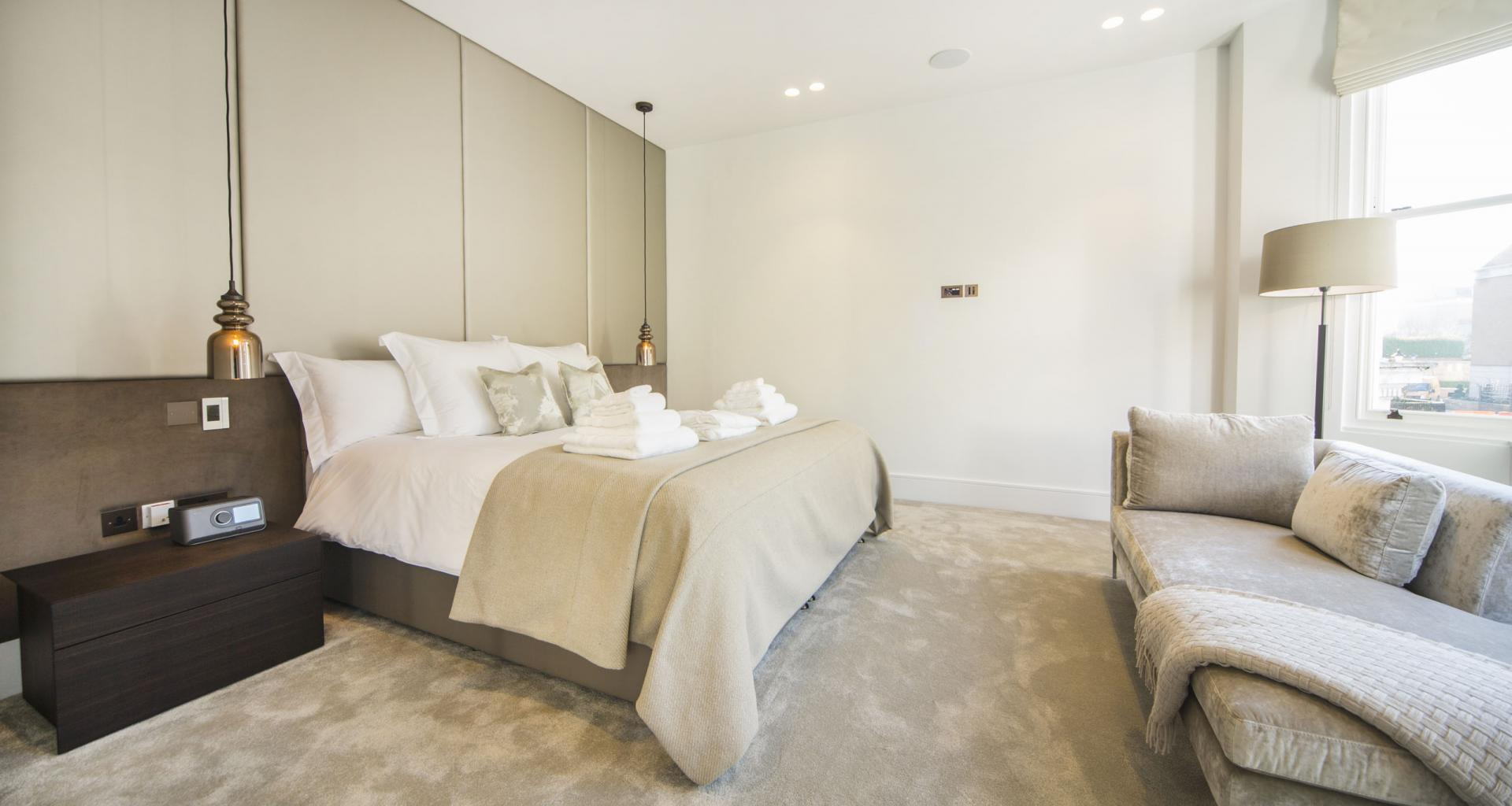 Bedroom at 21 Campden Hill Garden House, Notting Hill, London - Citybase Apartments