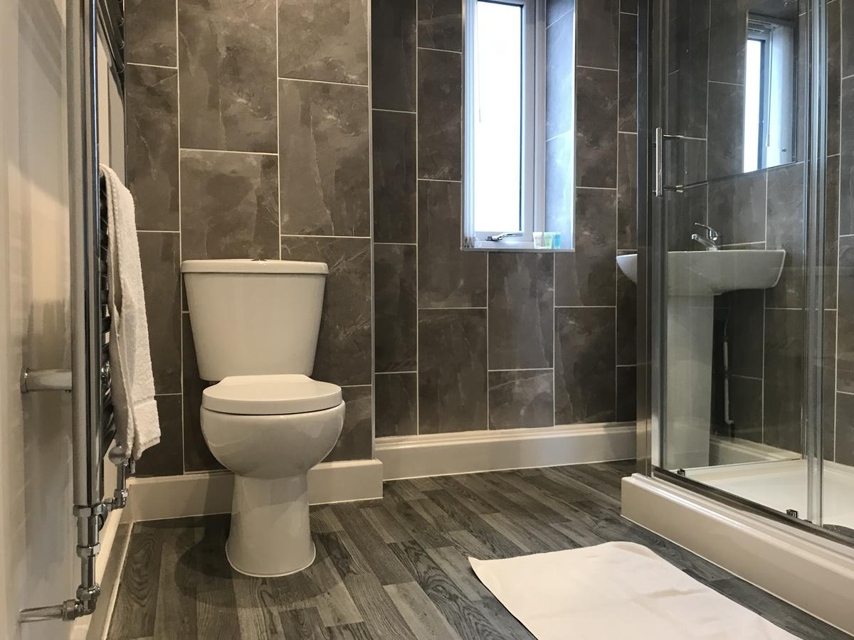 Toilet at Sidney Place Apartments, Edge Hill, Liverpool - Citybase Apartments