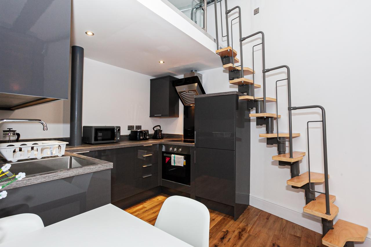 Oven at Green Quarter Southall Apartment, Green Quarter, Manchester - Citybase Apartments