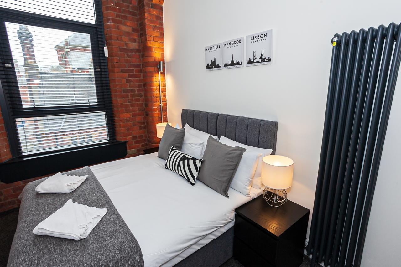 Sleeping at Green Quarter Southall Apartment, Green Quarter, Manchester - Citybase Apartments