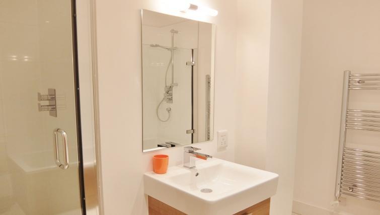 Sink at Twickenham Fraser Apartment, Twickenham, London - Citybase Apartments