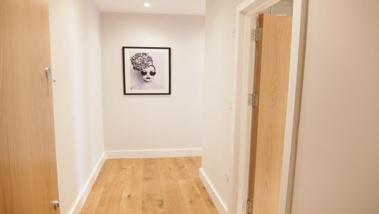 Hallway at Twickenham Fraser Apartment, Twickenham, London - Citybase Apartments