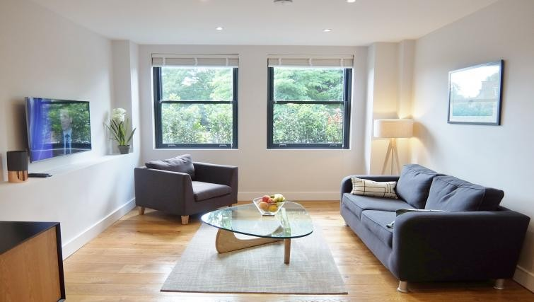 Lounge at Twickenham Fraser Apartment, Twickenham, London - Citybase Apartments