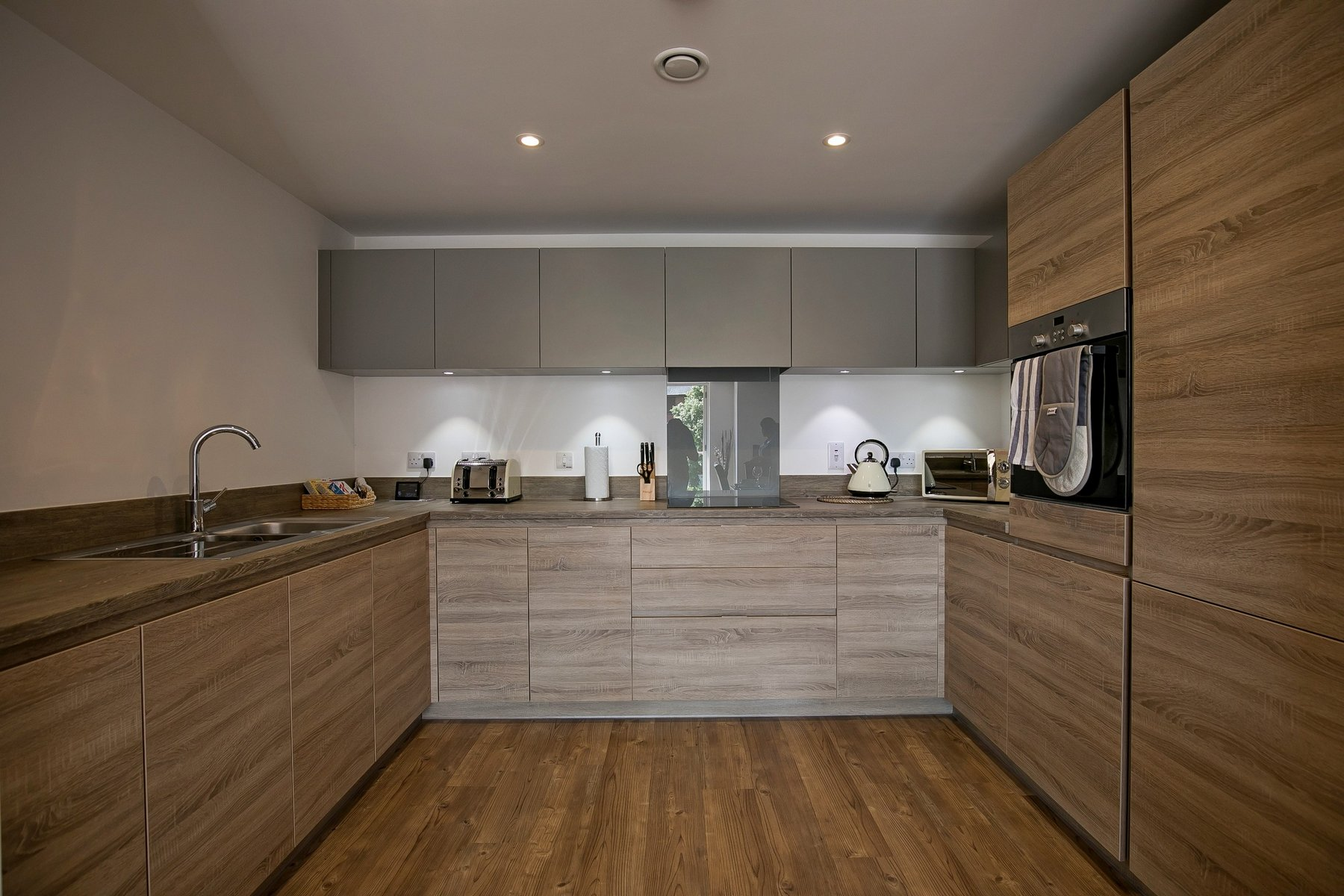 Kitchen at Kennet House Serviced Apartments, Centre, Reading - Citybase Apartments