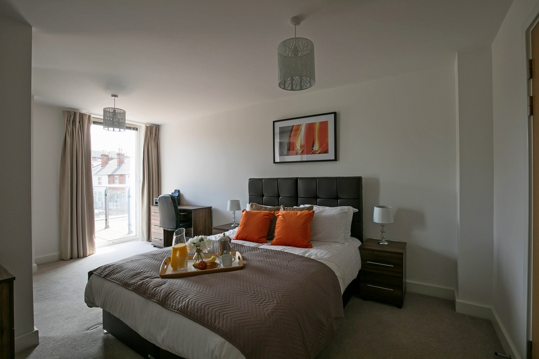 Main bedroom at Kennet House Serviced Apartments, Centre, Reading - Citybase Apartments