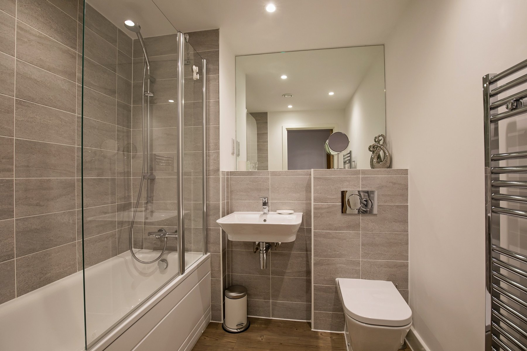 Bathroom at Kennet House Serviced Apartments, Centre, Reading - Citybase Apartments