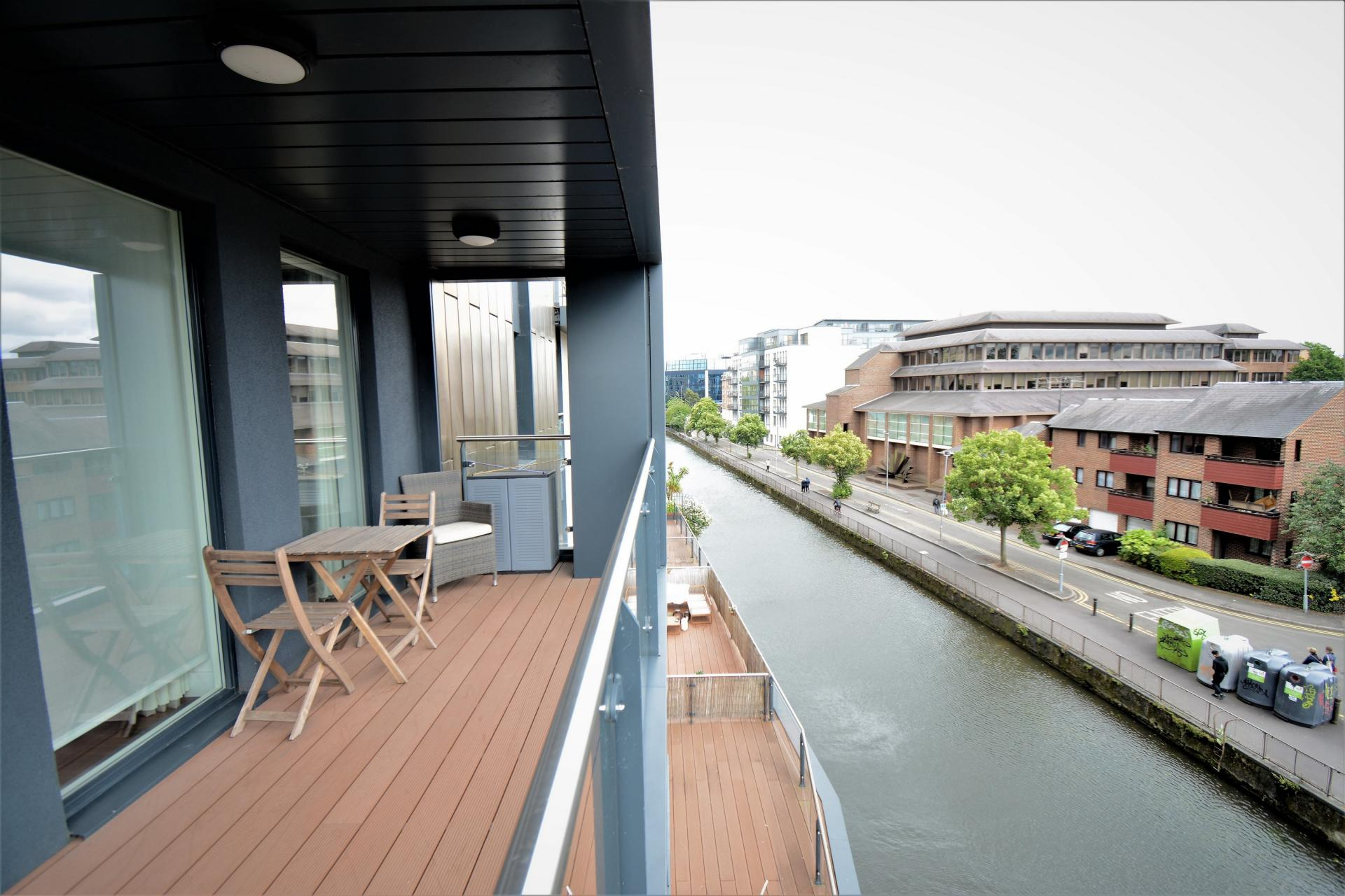 Balcony Apt B at Kennet House Serviced Apartments, Centre, Reading - Citybase Apartments