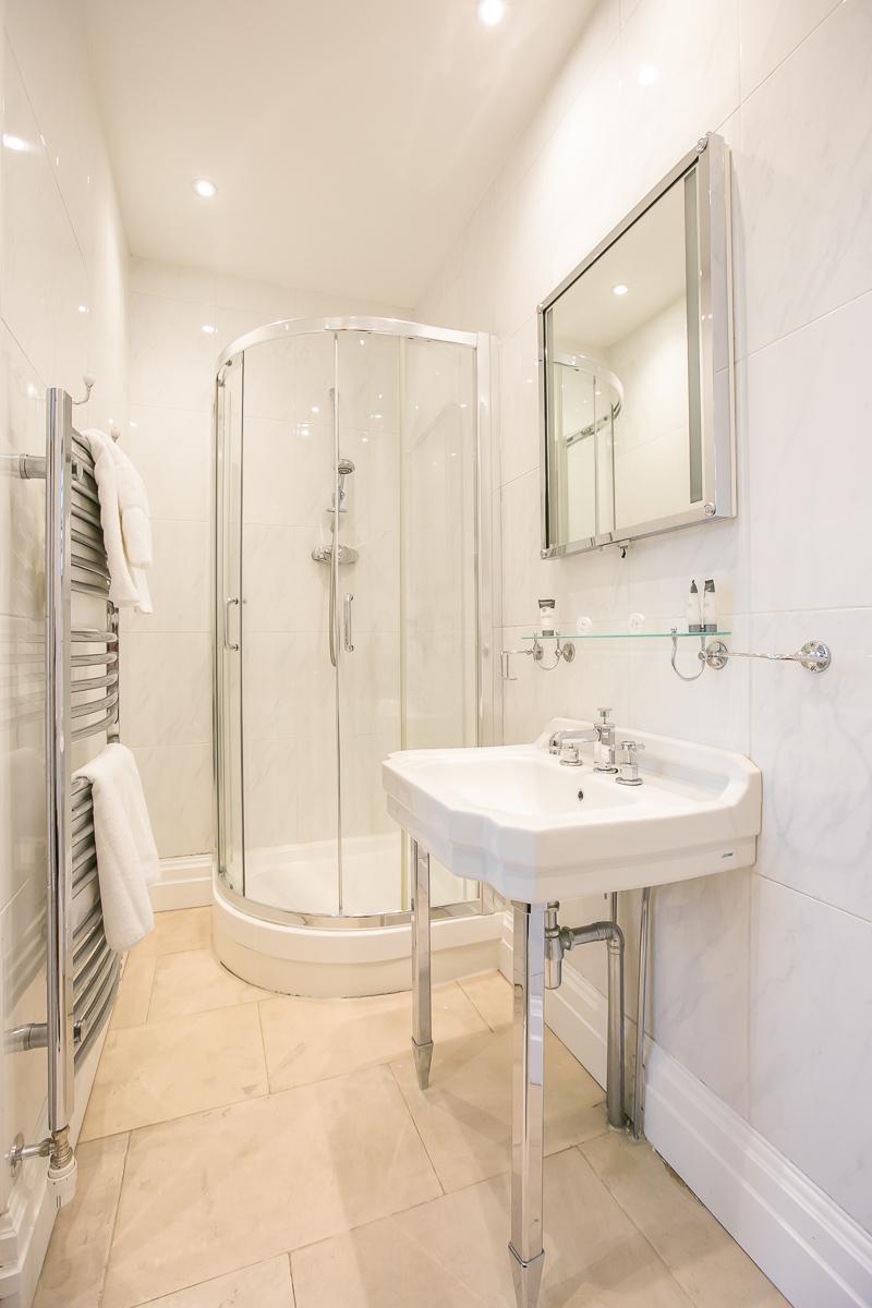 Bathroom at Trinity Gardens Apartment, Centre, Dublin - Citybase Apartments