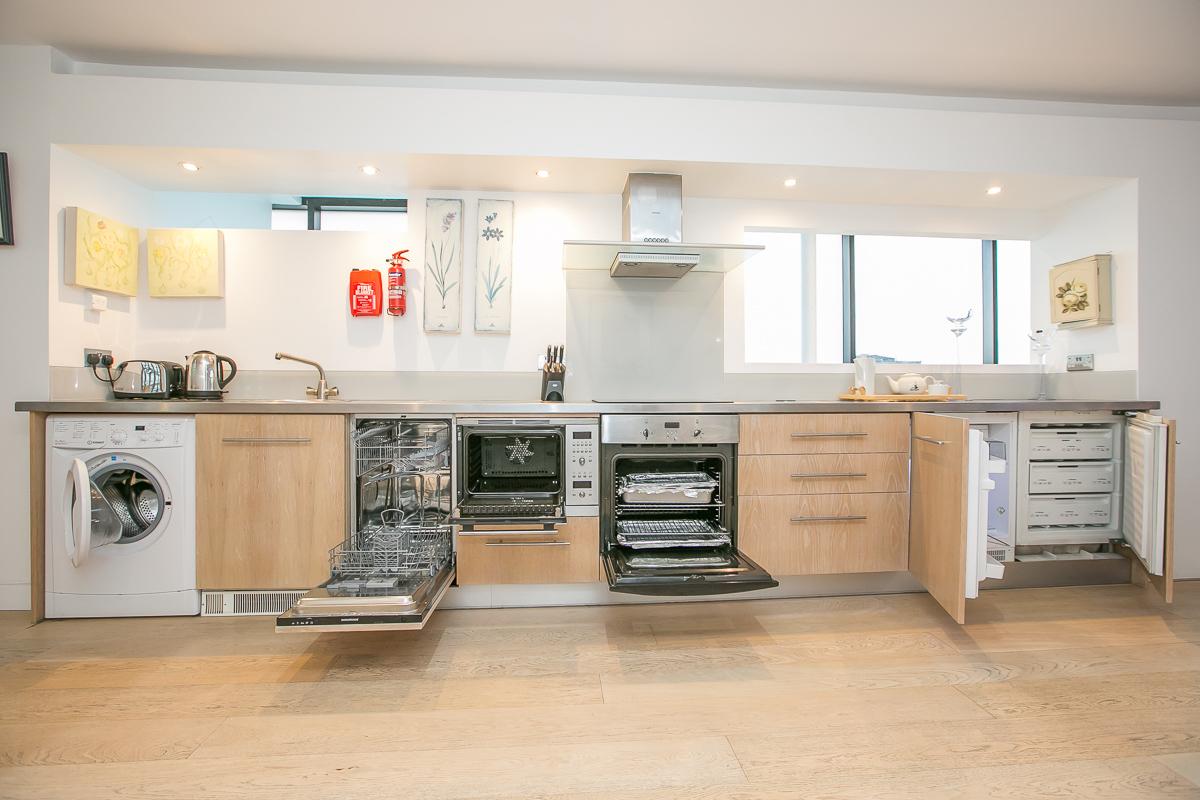 Kitchen Facilities at Trinity Gardens Apartment, Centre, Dublin - Citybase Apartments