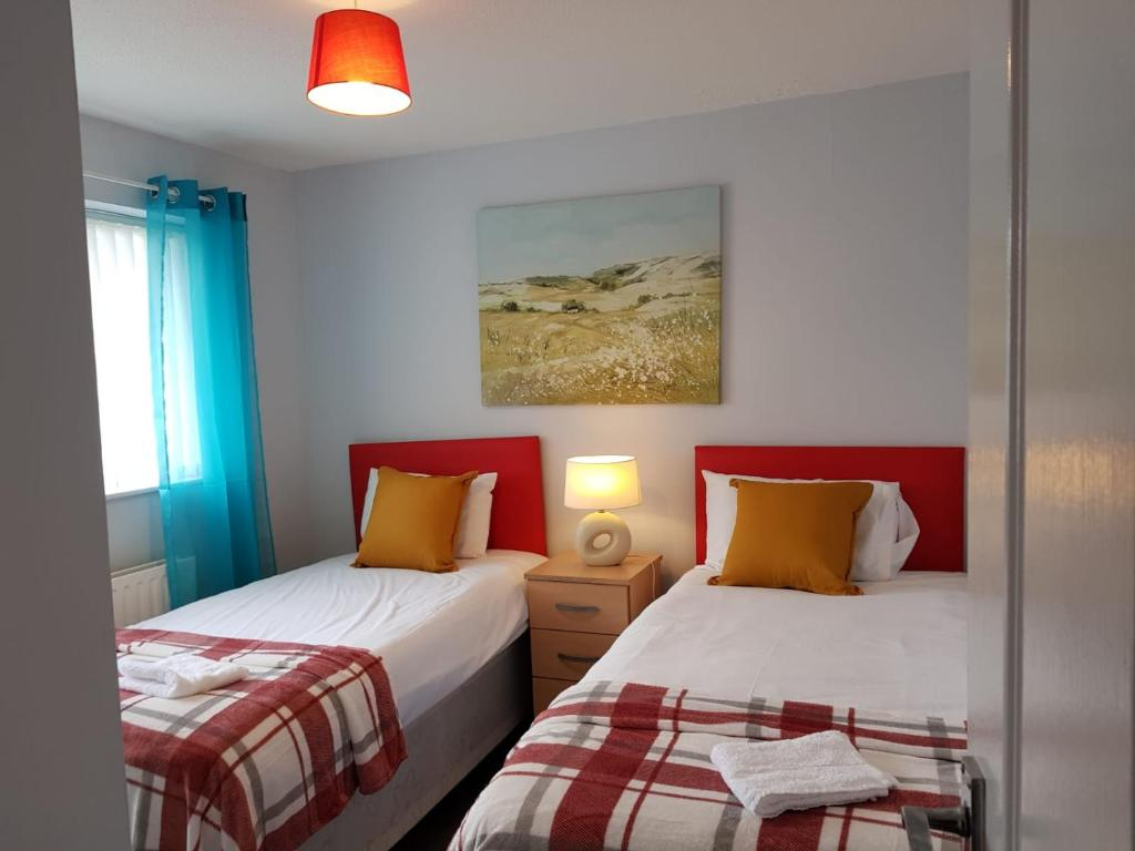 Bed at Penllech House, Top Valley, Nottingham - Citybase Apartments