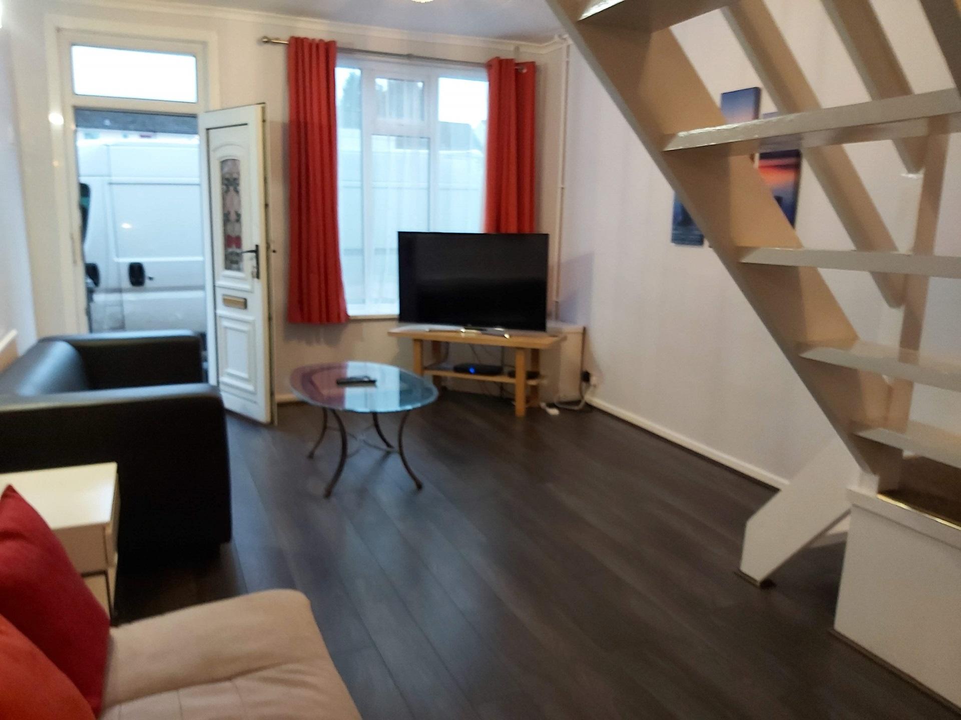 Living room at Garden City House, Carlton, Nottingham - Citybase Apartments
