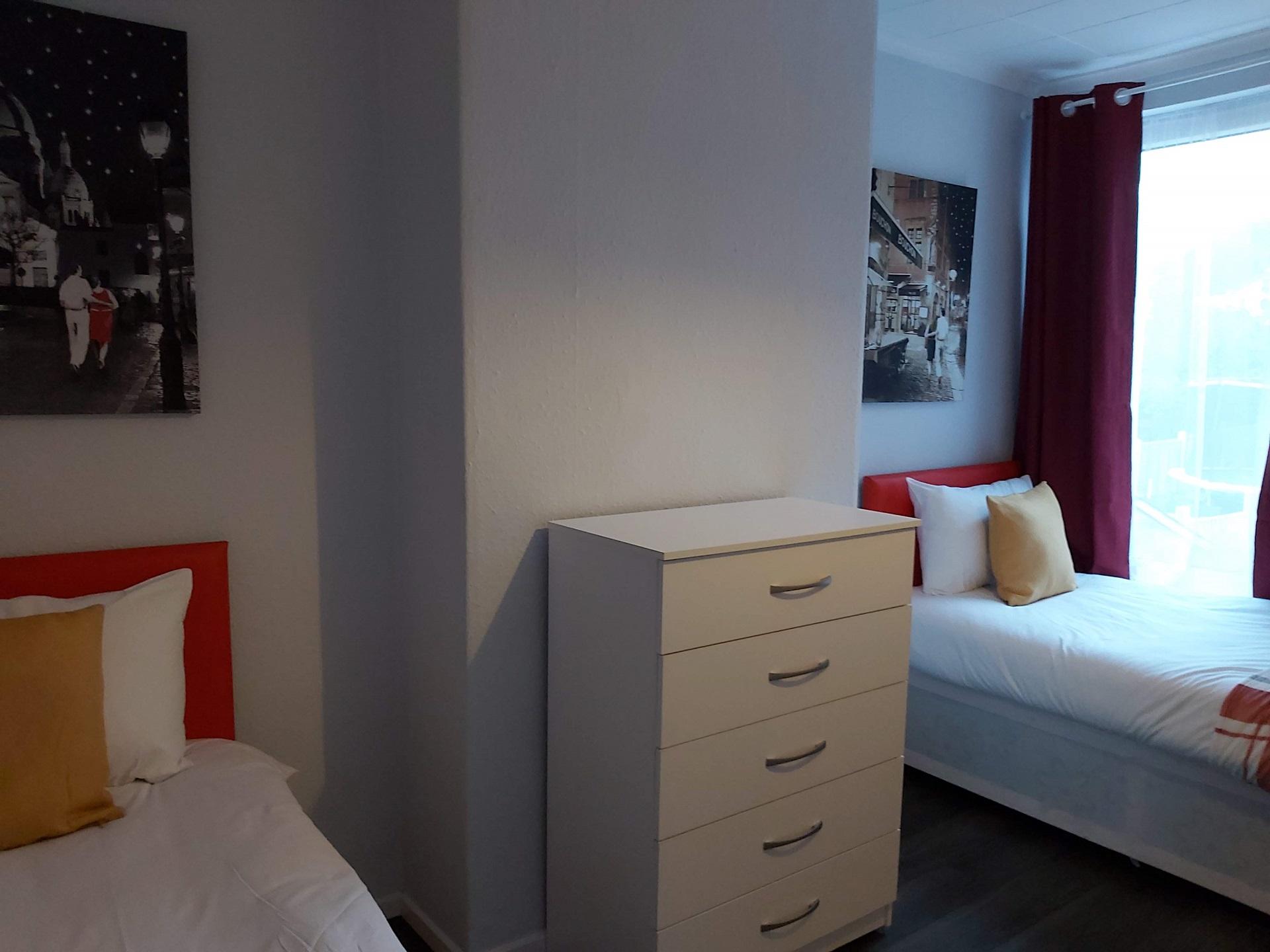 Bedroom at Garden City House, Carlton, Nottingham - Citybase Apartments