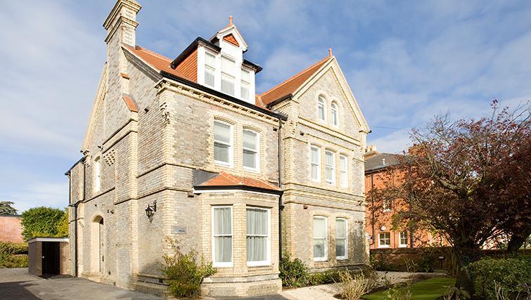 Exterior of SACO Reading - Castle Crescent - Citybase Apartments